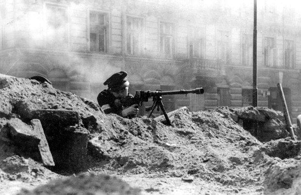Powstanie Warszawskie (Fot. arch. gen. Stanislawa Komornickiego FOTONOVA)