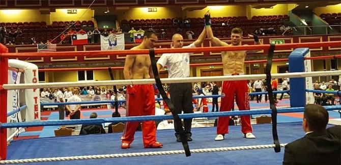 fot. MAteusz Kubiszyn wygrywa swoją pierwszą walkę na Mistrzostwach Świata w Dublinie.