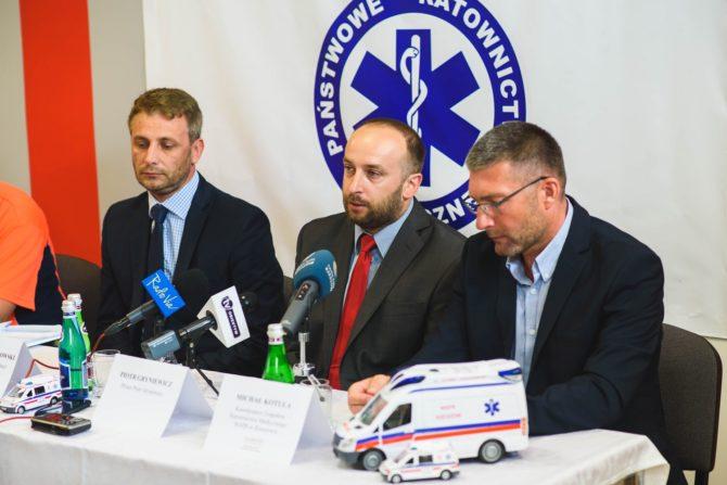 """Konferencja prasowa, na której zaprezentowanoi aplikację """"Na pomoc Podkarpackie"""", fot. wspr.pl"""