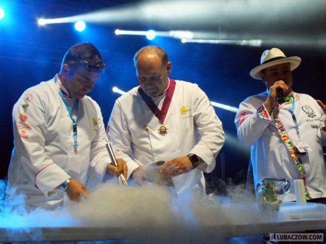 """Pokazy, warsztaty, konkursy kulinarne - """"Smaki Roztocza"""" opanowały w weekend Narol."""