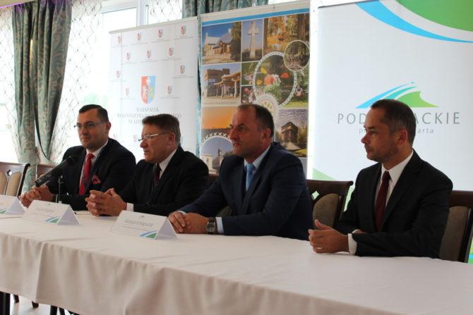 Fot. Konferencja prasowa w Kresowej Osadzie była doskonałą okazją do promocji Festiwalu Kultur i Kresowego Jadła.