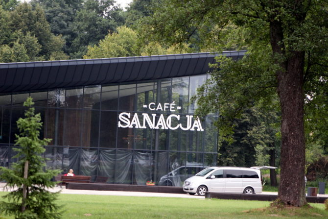 Fot. Cafe Sanacja w Parku Zdrojowym.
